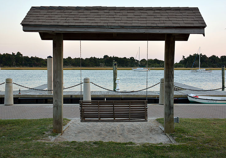 A swinging bench at Jaycee Park in Morehead City, NC