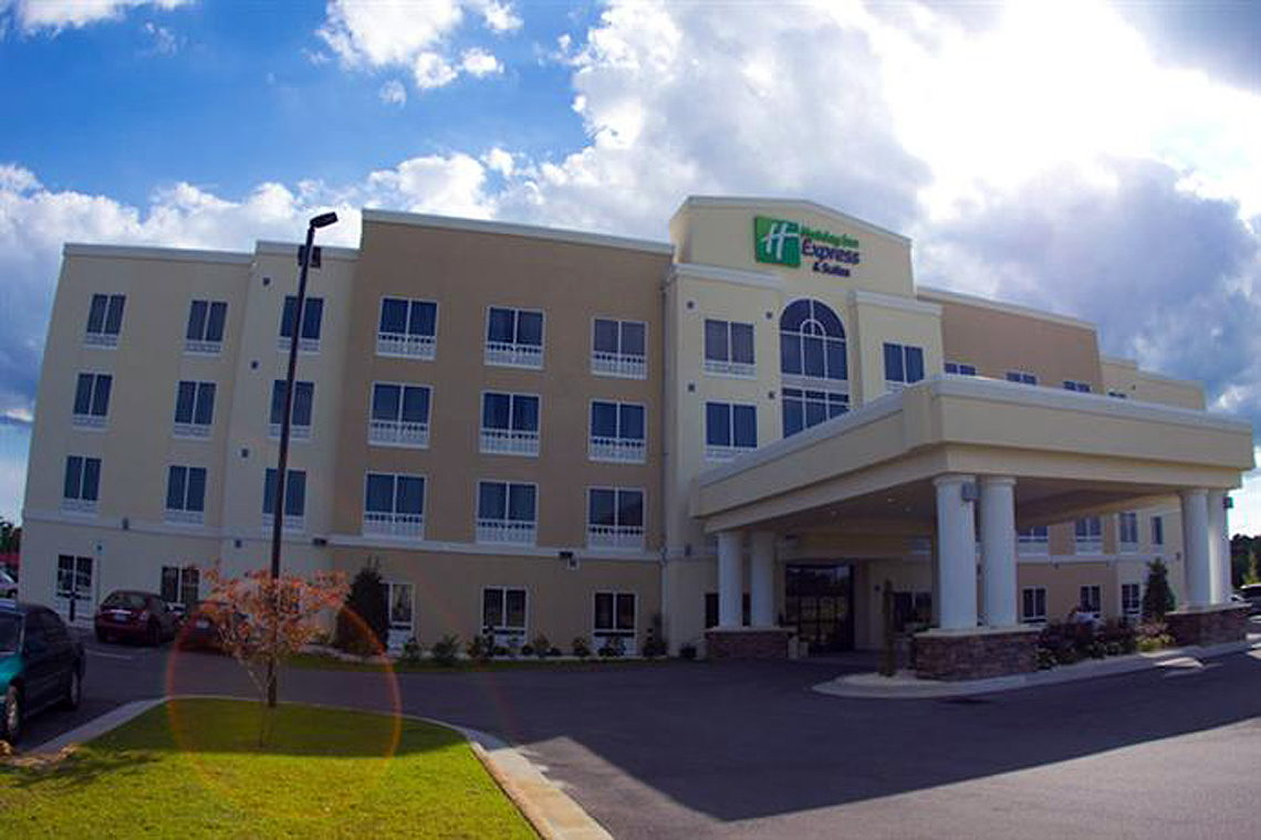 Holiday Inn Express Suites Havelock